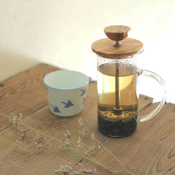清澈的茶湯