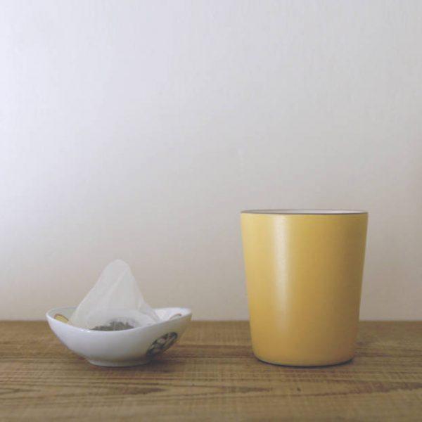 道具準備 – 杯子、茶包、可放置茶包的器皿