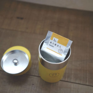 【 東方蜜美人 】琅彩茶罐裝
