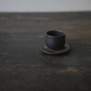 茶室宇宙 – 鐵釉 / 小杯托組