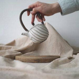 【 作家茶器|方煜程 】彎把壺 — 漩滔