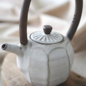 【 作家茶器|方煜程 】 彎把壺 — 靄靄