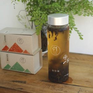 冷泡定番組合 B: 冷泡茶水壺 + 桂香包種 40g (盒裝) + 薄荷紅玉 40g (盒裝)